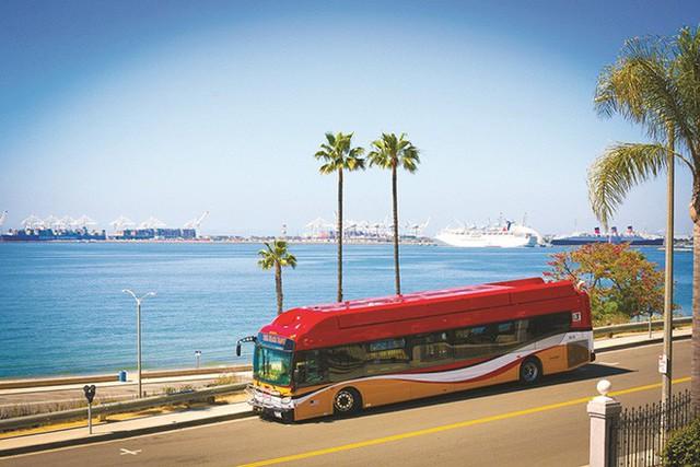 Sắp triển khai xe buýt xịn sò từ sân bay Tân Sơn Nhất đến thẳng dự án Apec Mandala Wyndham Mũi Né - Ảnh 1.