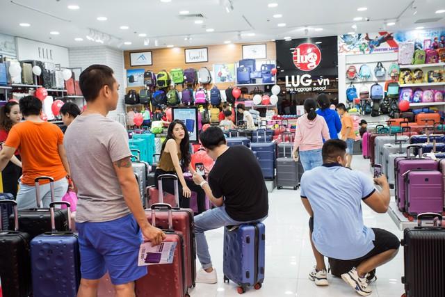 Tưng bừng khai trương, LUG chính thức đạt mốc 55 cửa hàng - Ảnh 1.