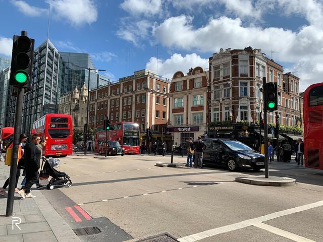 London – Nét giao thoa giữa cổ kính và hiện đại trên từng tòa nhà, góc phố - Ảnh 4.