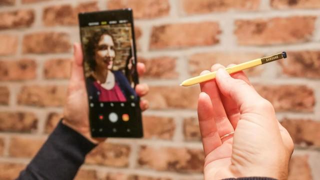 """Không phải là điện thoại đầu tiên có kèm bút, nhưng Galaxy Note mới là chiếc smartphone duy nhất có cây bút """"ăn tiền"""" - Ảnh 2."""