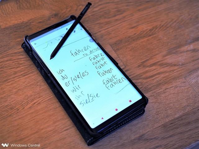"""Không phải là điện thoại đầu tiên có kèm bút, nhưng Galaxy Note mới là chiếc smartphone duy nhất có cây bút """"ăn tiền"""" - Ảnh 3."""