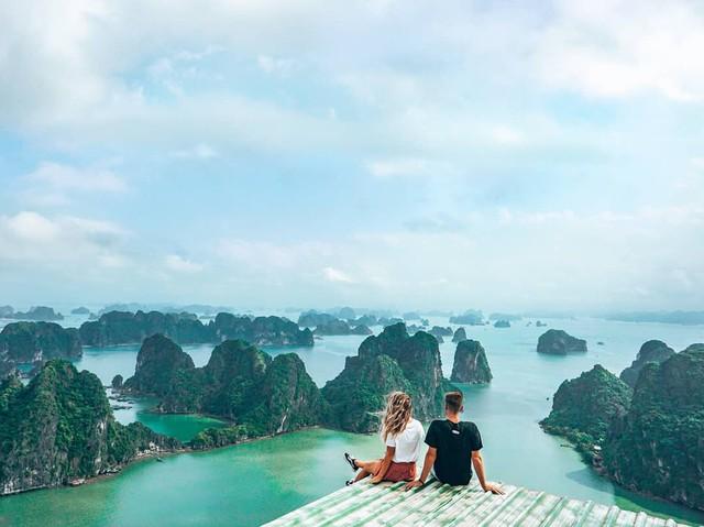 Chẳng cần tới Bali, Quảng Ninh cũng có thế giới vịnh - đảo đẹp nhường này - Ảnh 3.