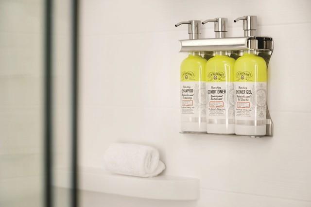IHG tiên phong ngành khách sạn loại bỏ 200 triệu sản phẩm tiện ích mini mỗi năm - Ảnh 1.