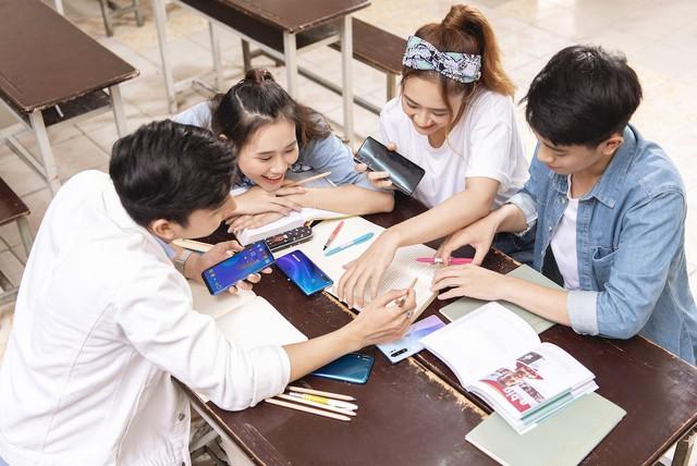 5 tiêu chí hàng đầu khi chọn smartphone chào năm học mới - Ảnh 1.