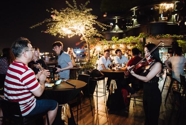 Thưởng thức âm nhạc trên sky bar – Xu hướng trải nghiệm mới - Ảnh 10.