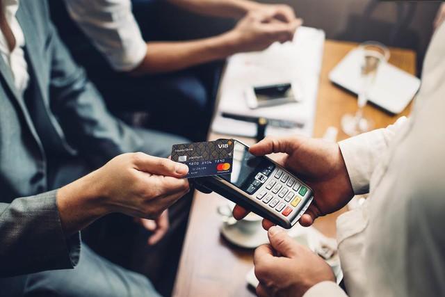 Giám đốc Khối Bán lẻ VIB: Ngân hàng Việt đang giành lại thế tiên phong trên thị trường thẻ - Ảnh 3.