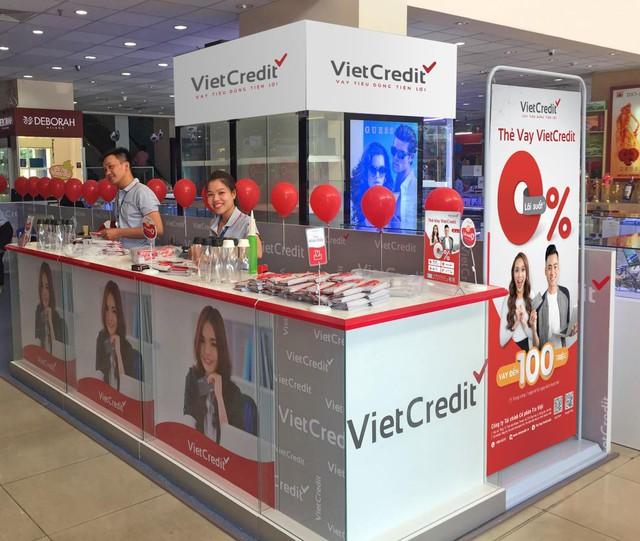 VietCredit miễn nhiều loại phí giúp người đi vay nhẹ tài chính - Ảnh 2.