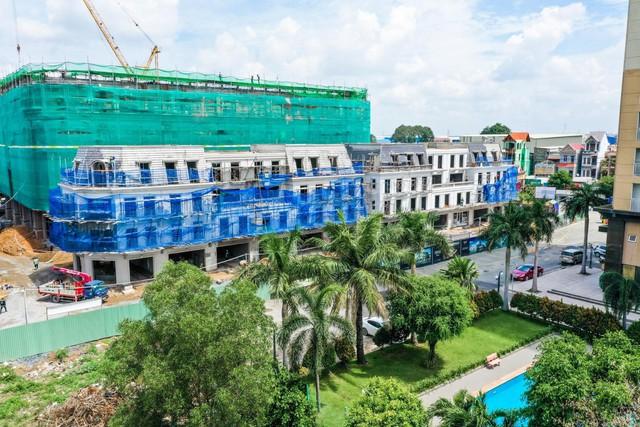Cận cảnh tiến độ xây dựng của Vincom Plaza Dĩ An của Bình Dương - Ảnh 1.