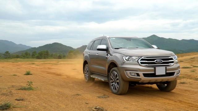 Đánh giá Ford Everest: SUV 7 chỗ đích thực - Ảnh 2.