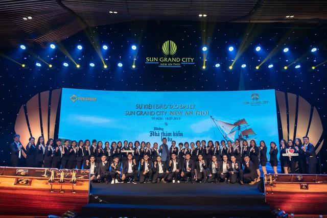 Nhà Đại Phát được vinh danh Đại Lý Dẫn Đầu nửa đầu năm 2019 của Sun Group - Ảnh 2.