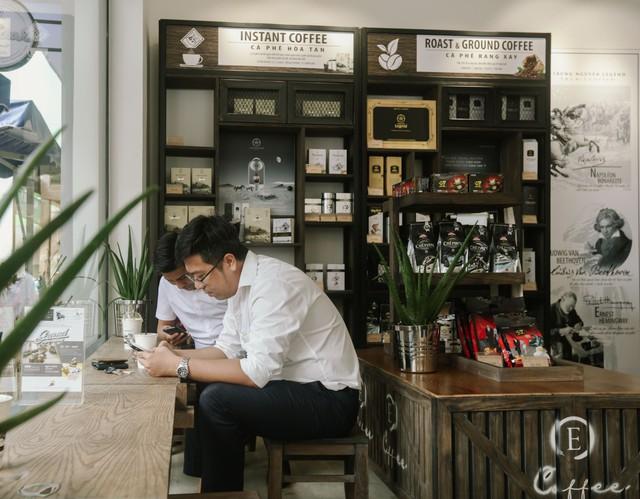 Làn sóng bùng nổ cửa hàng Trung Nguyên E-Coffee với phí nhượng quyền 0 đồng - Ảnh 3.