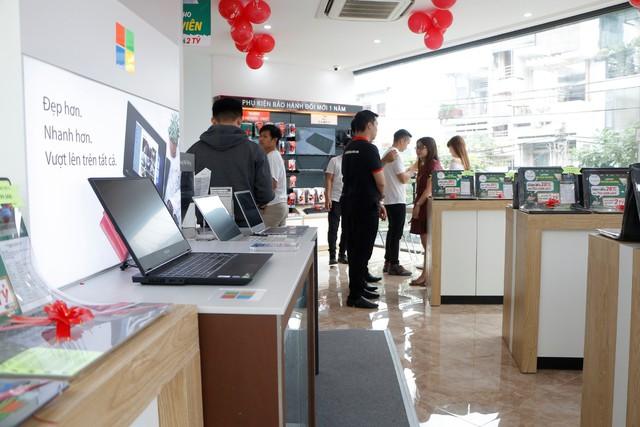 Giảm sốc đến 30% nhân dịp FPT Shop khai trương trung tâm laptop hàng đầu Việt Nam - Ảnh 1.