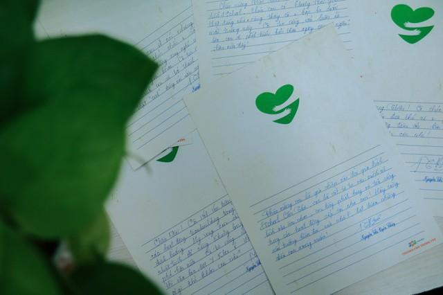 Học sinh xúc động nhận thư tay từ cô hiệu trưởng - ảnh 4