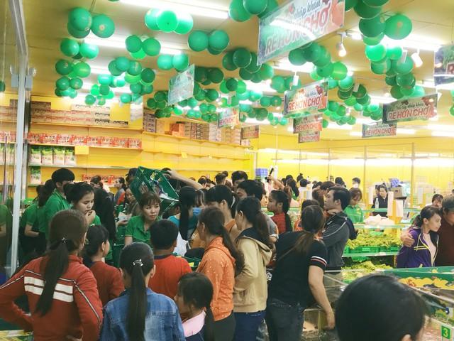 Choáng với cửa hàng Bách Hóa Xanh Bình Phước, doanh thu 1 ngày bằng cả tháng siêu thị 'nhà người ta' - Ảnh 1.