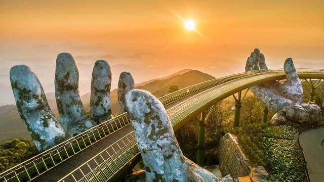 Được đánh thức bởi các nhà đầu tư lớn, du lịch Việt sẽ bắt kịp láng giềng - Ảnh 2.