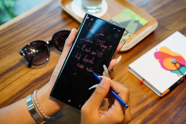 Ngại mang laptop to nặng sao không thử Galaxy Note10 - Ảnh 3.