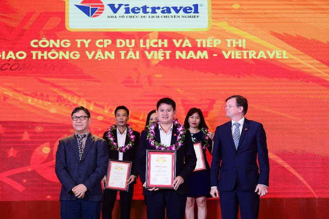 Vietravel vinh dự 3 năm liên tiếp dẫn đầu Top 10 công ty uy tín ngành du lịch - lữ hành 2017 - 2019 - Ảnh 1.