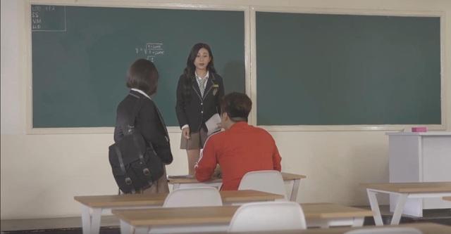 """""""Thầy giáo"""" Lâm Chấn Khang xuất hiệp kịp thời cứu """"hot girl ống nghiệm"""" khỏi tình huống nguy hiểm - ảnh 1"""