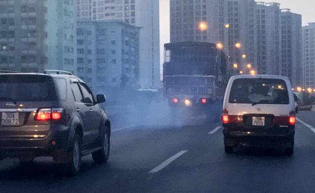 Sau khẩu trang và máy lọc không khí, liệu có cách nào phòng tránh ô nhiễm không khí - Ảnh 1.