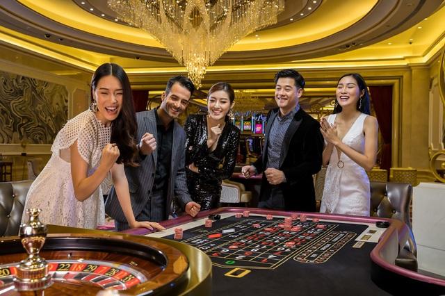 """Lưu ngay địa điểm check-in mới nổi, cực chất được mệnh danh """"Las Vegas của Việt Nam"""" - Ảnh 2."""