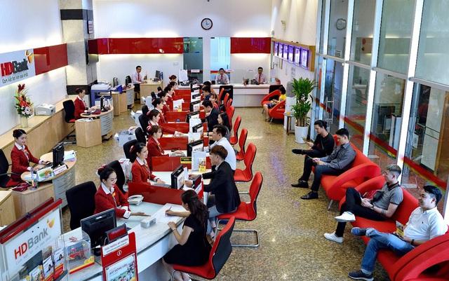 """HDBank đạt giải """"Ngân hàng nội địa tốt nhất Việt Nam"""" - Ảnh 1."""