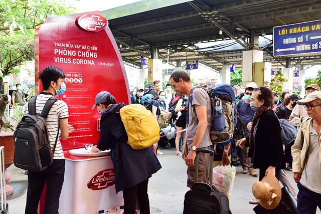 Cùng Chi Pu nhảy Ghen Cô Vy gây quỹ xây dựng 100 trạm rửa tay dã chiến Lifebuoy miễn phí - Ảnh 2.
