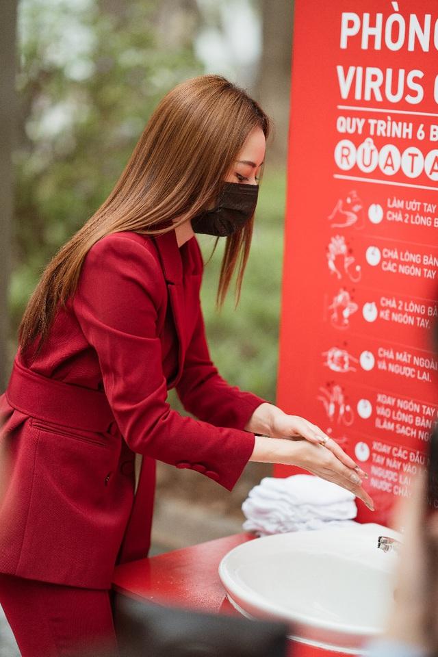 Cùng Chi Pu nhảy Ghen Cô Vy gây quỹ xây dựng 100 trạm rửa tay dã chiến Lifebuoy miễn phí - Ảnh 5.