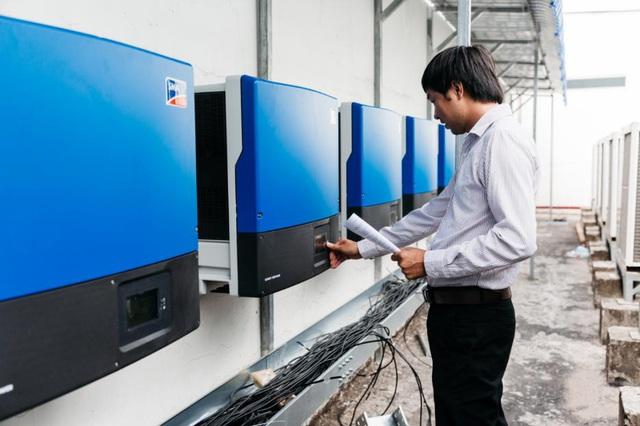 Song song giảm giá điện, Chính phủ đồng thời có những cơ chế khuyến khích phát triển điện mặt trời tại Việt Nam - Ảnh 1.