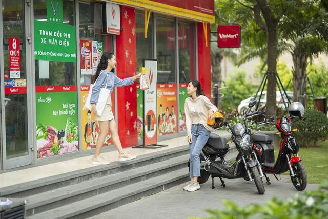 VinFast miễn phí 1 năm thuê bao pin xe máy điện cho 2020 khách hàng, giảm 50% phí thuê bao trong 3 tháng - Ảnh 2.