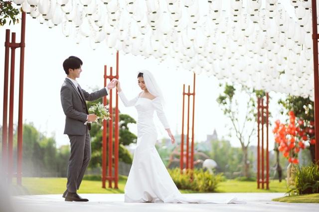 Ngất ngây bộ ảnh cưới đẹp như mơ tại vườn Nhật Bản Vinhomes Smart City - Ảnh 2.