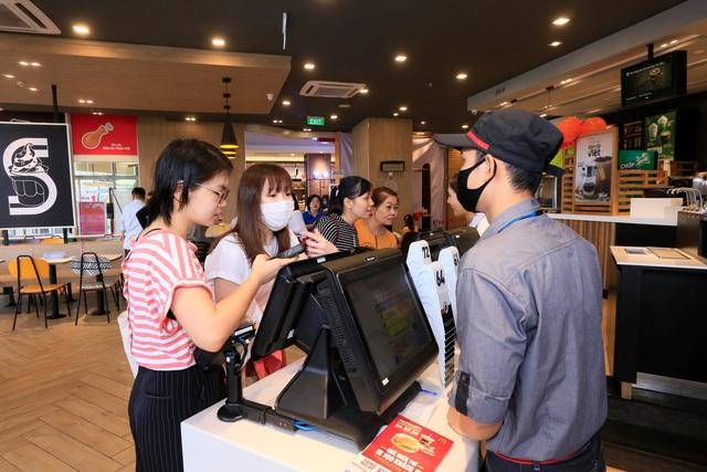 McDonald's khai trương nhà hàng mới tại Aeon Mall Bình Dương - Ảnh 2.