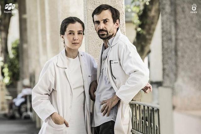 """""""Những chiến binh áo trắng"""", khai thác đến tận cùng mâu thuẫn xã hội Brazil thông qua góc nhìn ngành y - Ảnh 4."""
