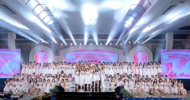 Nam ca sĩ Trịnh Thăng Bình bất ngờ xuất hiện trong đêm dạ tiệc Queens Masterpiece – Kiệt tác của Nữ Hoàng - Ảnh 2.