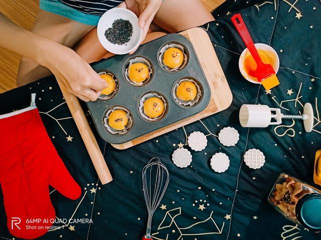 """Bật mí công thức làm bánh Trung thu trứng muối tan chảy """"homemade"""" - Ảnh 10."""