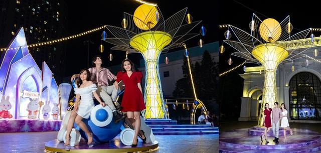 Người dân Thủ đô hào hứng check-in với cây đèn lồng Hoa Đăng lớn nhất Việt Nam - Ảnh 3.