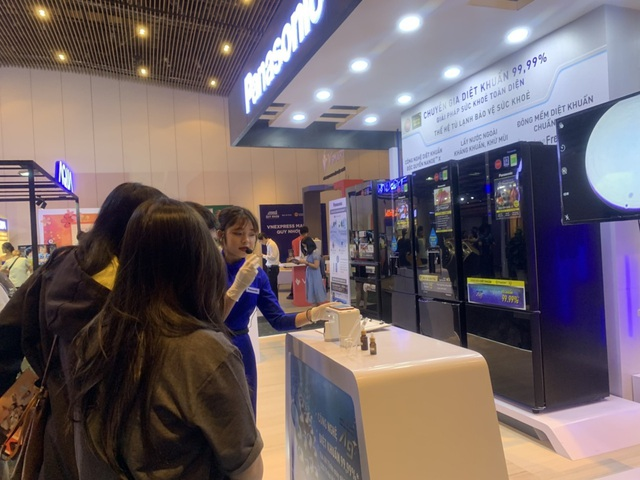 Panasonic đạt danh hiệu Tủ lạnh có công nghệ diệt khuẩn hiệu quả nhất tại Tech Award do VNExpress bình chọn - Ảnh 2.