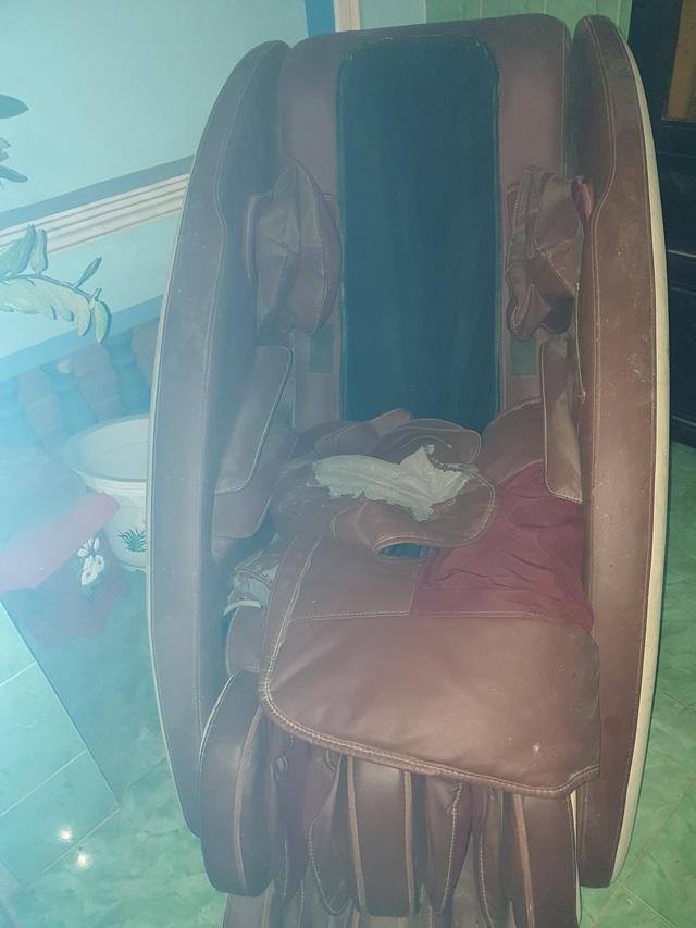 Mê hồn trận ghế massage: Thật giả lẫn lộn - Ảnh 1.