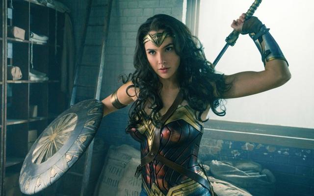 """Dù chưa ra mắt phim, """"chị đại"""" Wonder Woman đã gây sốt trên toàn thế giới"""