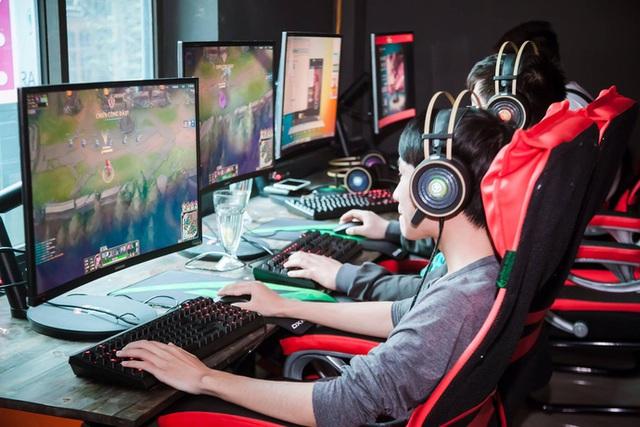 Màn hình gaming Samsung đổ bộ các địa chỉ game net lớn: Xu thế mới cho phòng máy cao cấp tại Việt Nam