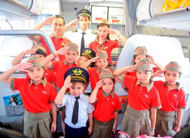 """Dàn phi công, tiếp viên """"nhí"""" khuấy động các chuyến bay Vietjet Air trong ngày 1/6 - Ảnh 7."""