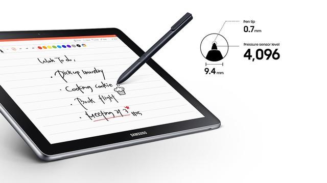 S-Pen và nhiều tiện ích đi kèm là thế mạnh của Galaxy Book trước các thiết bị 2-trong-1 khác.