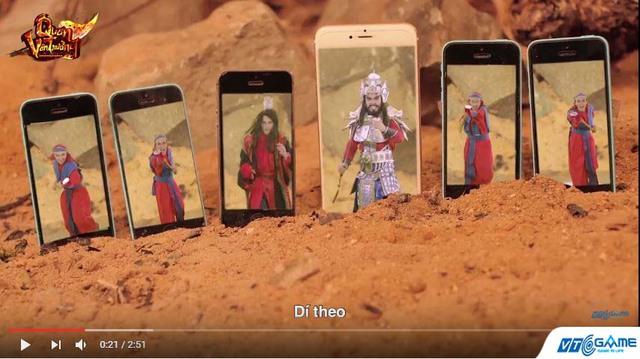"""Quan Vân Trường mobile bất ngờ tung clip Xích Bích Trận có """"1-0-2"""" giữa những chiếc… điện thoại"""