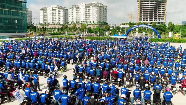 Ghép tranh kỷ niệm 1 triệu Exciter lăn bánh tại Việt Nam - Ảnh 2.