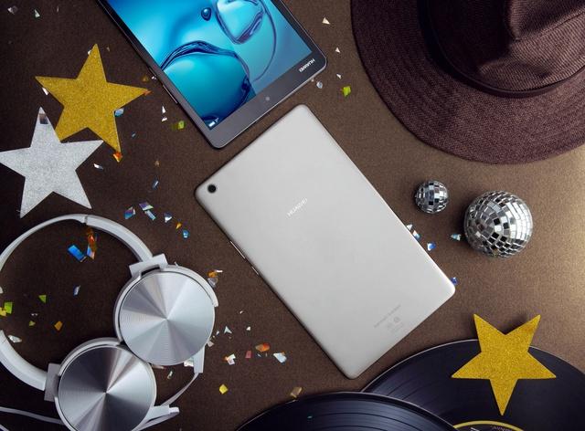 Huawei M3 2017 – Người bạn tuyệt vời trong những buổi tiệc.