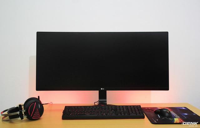 Khi tắt màn hình sẽ trông như không có viền rất đẹp mắt.