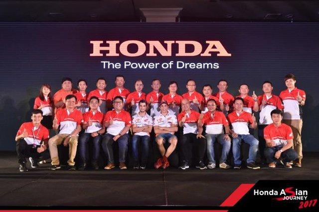 """Chiêm ngưỡng siêu mô tô 7 tỉ và dàn xe """"khủng"""" xuất hiện trong hành trình Honda Asian Jourrney 2017 - Ảnh 4."""