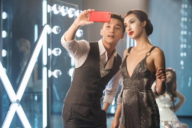 Sơn Tùng M-TP gây sốt khi giới thiệu công nghệ selfie đỉnh cao mới - Ảnh 4.