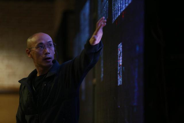 Chuyên gia Bùi Duy Bách tốt nghiệp ngành Khoa học máy tính của Đại học Illinois (Mỹ). Anh cũng là người đồng sáng lập Arimo – một công ty nổi tiếng ở thung lũng Silicon trong lĩnh vực ứng dụng AI lên IoT.