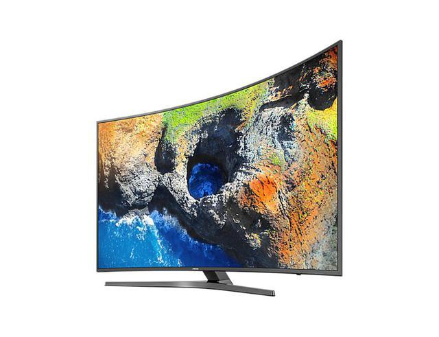 Dòng Smart TV của Samsung cũng nổi bật với thiết kế như vậy. TV là trái tim của phòng khách hiện đại, và thiết kế của chiếc TV sẽ quyết định khá lớn đến tổng thể cân bằng trong một không gian phòng khách. Như ở dòng UA49MU6500 này, Samsung đã tạo ra một kiệt tác TV màn hình cong tích hợp công nghệ hiện đại như kho phim 4K độc quyền, thiết kế hoàn mỹ ở mọi góc nhìn, điều khiển siêu tối giản và sáng tạo One remote. Đây chắc chắn sẽ là điểm nhấn không thể thiếu với một phòng khách theo phong cách Mid - Century.