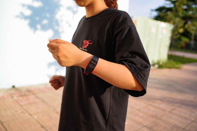 Vòng đeo thông minh Samsung Gear Fit2 Pro: Mạnh mẽ, bền bỉ và thời trang - Ảnh 1.
